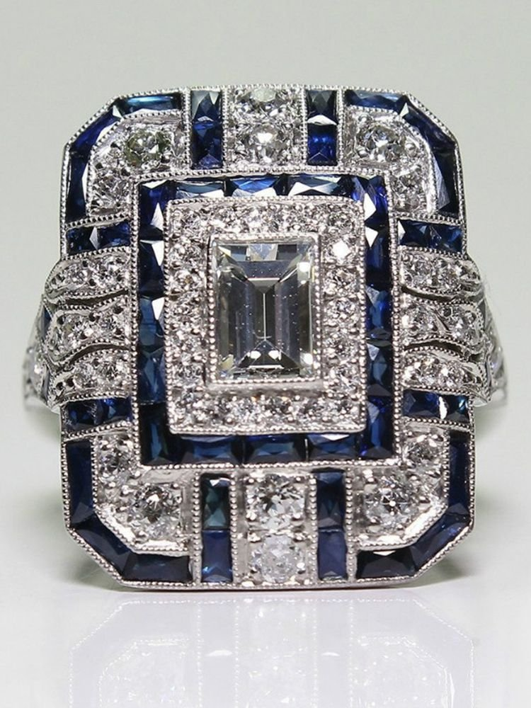 Diamante Retro Square Shaped Ring
