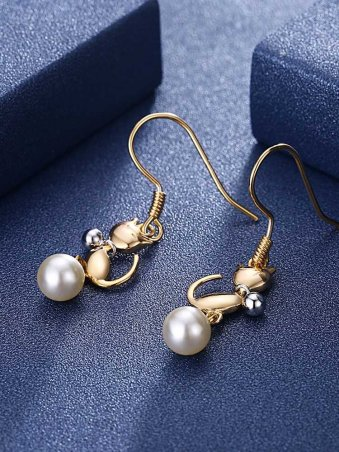 Cat Designed Pearl Drop Earings