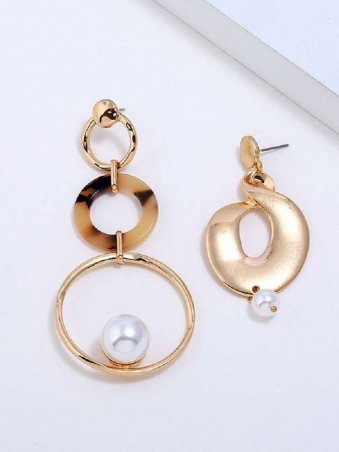 Ring Designed Pearl-encrusted Asymmetric Earjewelrys