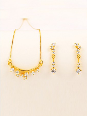Faux Diamond Pendant Gold Plating Necklace With Floral Earrings Set