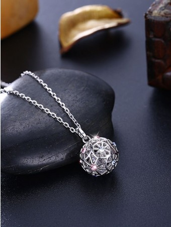 Rhinestone Overlay Hollow Out Pendant Necklace